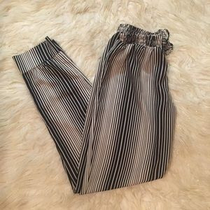 Pants - 🌞5/$25 Vintage Striped Tapered Leg Trousers